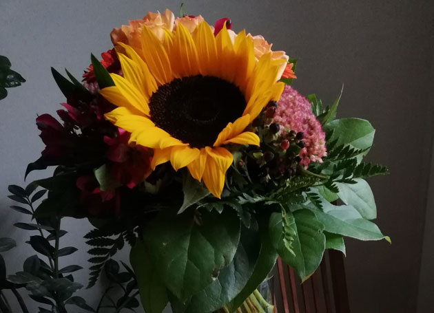 Grosse Basisqualifikation Blumenstrauss Sonnenblume Dank Chris Paul Trauerinstitut Deutschland