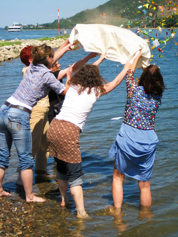 Mandala Tuch Personen Wasser Blueten Trauer Shop Tide Chris Paul
